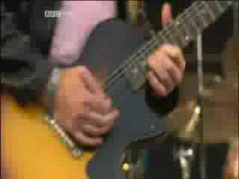 Primal Scream - Miss Lucifer live Glastonbury 2005