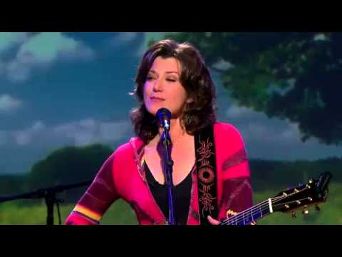 Second Cup Cafe: Amy Grant sings &quot;Our Time Is Now&quot;