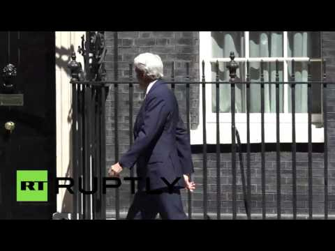 RAW: Kerry collides with Downing Street door