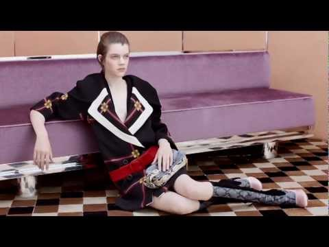 PRADA FALL/WINTER 2011 WOMEN'S ADVERTISING CAMPAIGN
