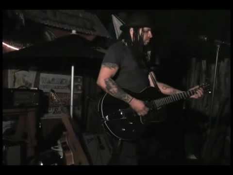 Eric McFadden singing Where is Ferdinand at Fred's Cafe, Ft Worth, Texas Sept 2009