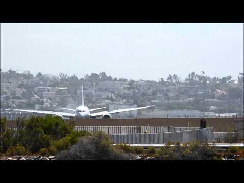Japan Airlines 787-8 JA830J landing at San Diego International Airport SAN