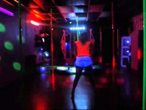 Booty Clapping, Bouncing & Twerking Atlanta Strip Club Style at Pole Waxers