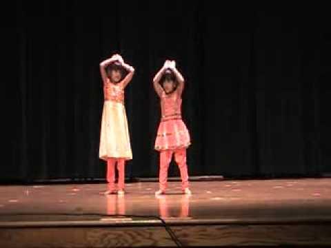 Dete Kon Dete Kon - Performed By Janhavi Kaurwar & Yashika Nabar...