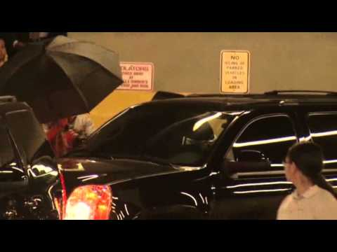 Raw: Justin Bieber in Miami for Civil Deposition klip izle