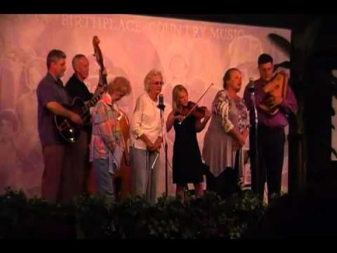 Will The Circle Be Unbroken - Lori Carter Bennett and Patsy and Donna Stoneman.MP4