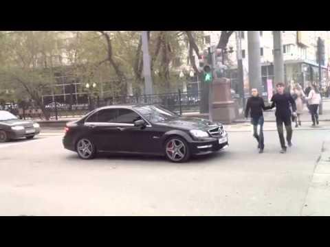 Mercedes AMG поприкалывались