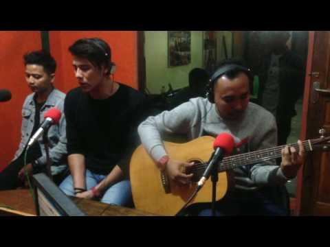 Papinka - Terlalu Cepat (Live On Air Akustik)