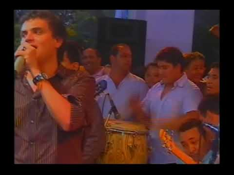 TREMENDA PELA MIENTRAS CANTA DANGOND EN EL FESTIVAL DEL CARBON