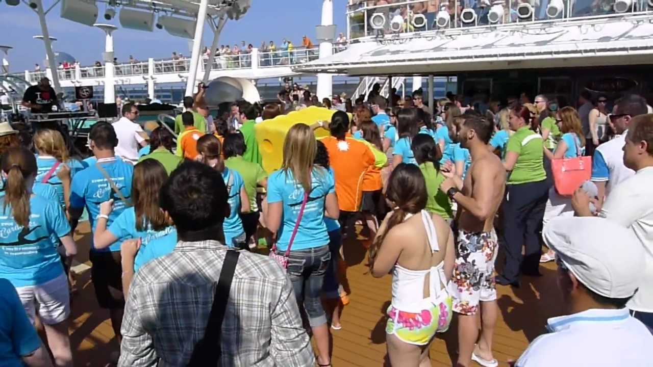 Pool deck party ncl epic europe 2011 youtube for Epic pool show