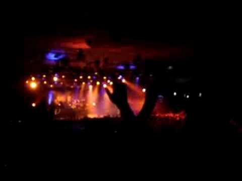 Disturbed - Torn solo Live Melb AUS 08