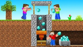 I TROLLED My Friends With a WELL in MINECRAFT! (Diamonds)