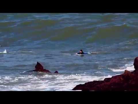 COTOLINO SURFING.(DEFIENDE ENERGIAS LIMPIAS).CASTRO URDIALES.CANTABRIA