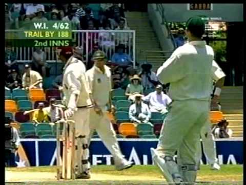 Brett Lee KILLER REVERSE SWING YORKER to Ramnaresh Sarwan 1st test 2000