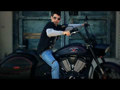 2012 Victory Hard-Ball Review - The new bagger/bobber makes a quartet of Ball models for Victory