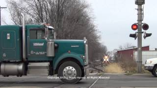 Santa Train vs. idiots ignoring crossing signal - Canton, IL 12/8/12