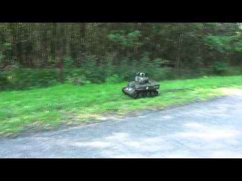 Stuart RC Tank 1:6 big scale Honda GX31 gas engine racing in grass