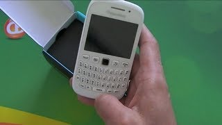 White BlackBerry Curve 9320 Unboxing