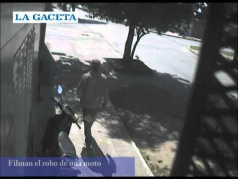 Robó una moto y lo filmaron