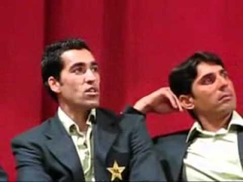 Pakistan Cricket Team on Dinner in NewZealand