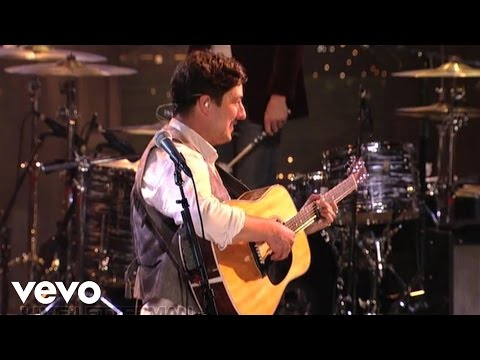Mumford & Sons - Whispers In The Dark (Live @ Letterman)
