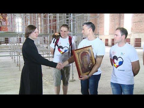 Участники автопробега «Берлин — Москва» увезли из Пензы икону