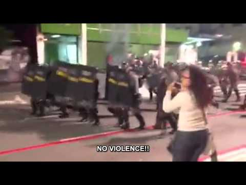 Police forces attacked Brazil protesters [Subtitled] [Legendado]