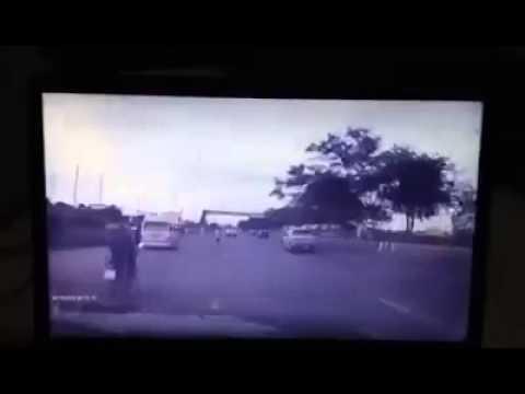 สภาพรถไม่พร้อมเกิดอุบัติเหตุได้ง่ายๆนะครับ ชนเต็มๆ