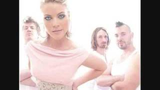Watch Lunik Fall video