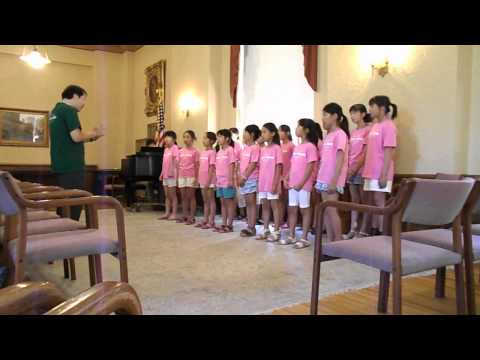 Mount Mary hosts Notre Dame Elementary School Choir from Kyoto, Japan