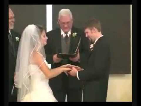 AzzateBlog – Lo sposo sbagliae la sposa scoppia a ridere….