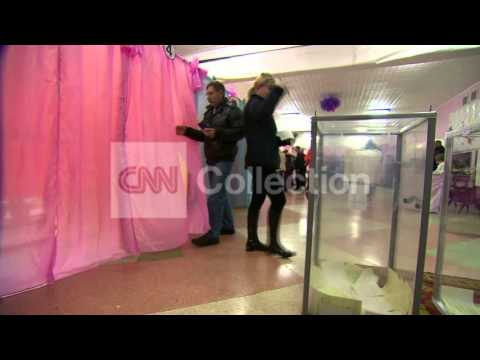 UKRAINE:INSIDE CRIMEA POLLING STATION (MORE)