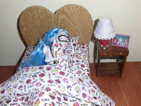 Como fazer uma cama para boneca Monster High. Pullip. Barbie e etc