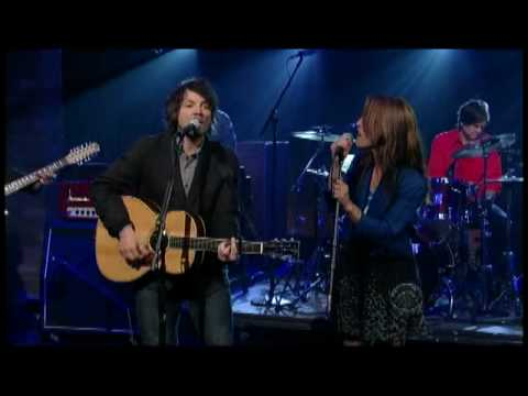 Wilco w/Feist - &quot;You and I&quot; on Letterman 7/14 (TheAudioPerv.com)
