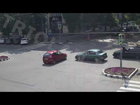 ДТП на перекрестке пр. Науки — ул. Бакулина (03-08-2016)