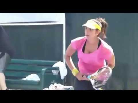 sania mirza hottest cleavage bouncing boobs