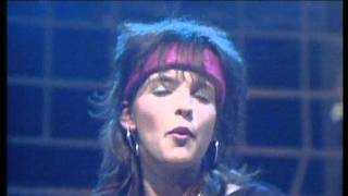 Watch Nena 99 Red Balloons video