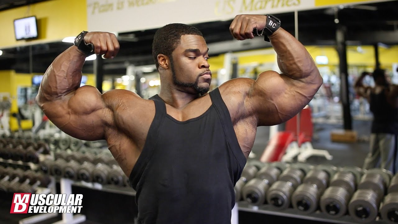 IFBB Pro Brandon Curry Trains Shoulders and Arms 4 Weeks