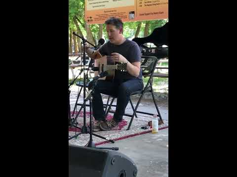 Bryan Sutton explains wrist tension and plays Billy in the Lowground on a 1936 Martin D-28 (2017)