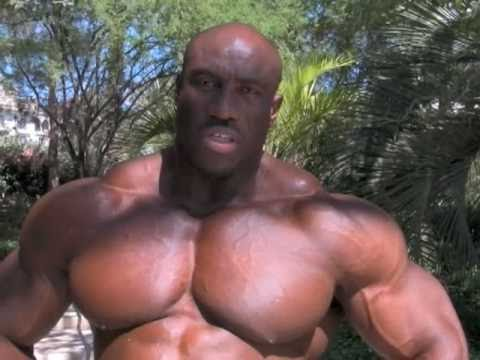 The World s Largest Bodybuilder Takes on Mr.O