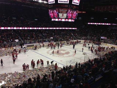 WATCH 26,000 Teddy Bears Thrown On Ice At 2013 Calgary Hitmen Teddy Bear Toss