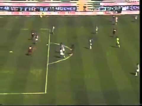 Nicola Amoruso segna in Reggina - Ascoli 2-0.