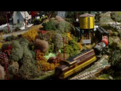 N-scale rail road near Lac Beaulieu. Video