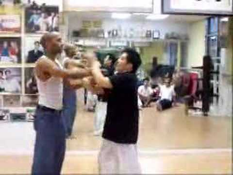 Wing Chun ChiSau - Master Carlos Lee Video