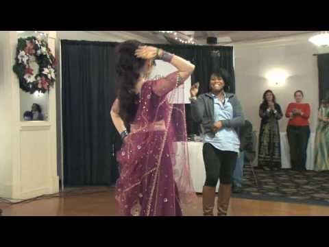 Shadiyah Bollywood Dance Performance to Kajra Re-Bunty aur Babli...