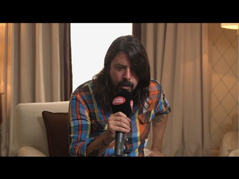 Studio Brussel: Dave Grohl/Foo Fighters (FULL INTERVIEW)