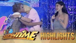 It's Showtime Miss Q and A: Vice Ganda hugs Brenda for being a true fan