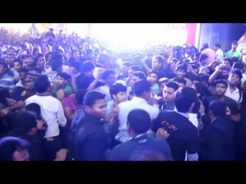 Desi Boyz In Pune | Desi Boyz | Akshay Kumar, John Abraham, Deepika Padukone & Chitrangada Singh
