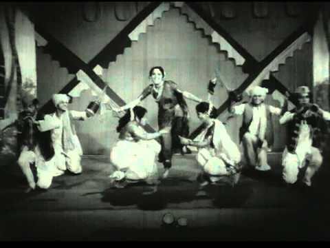 Aaj Jatret Jhali Navalai - Patalin - Asha Bhosle - Ranjana -...