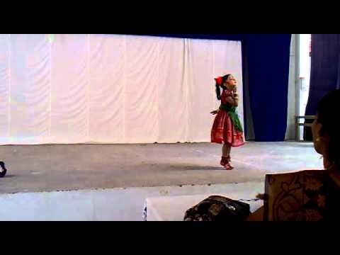 Malayalam Folk Dance Pennamma By Gowri Manoj video